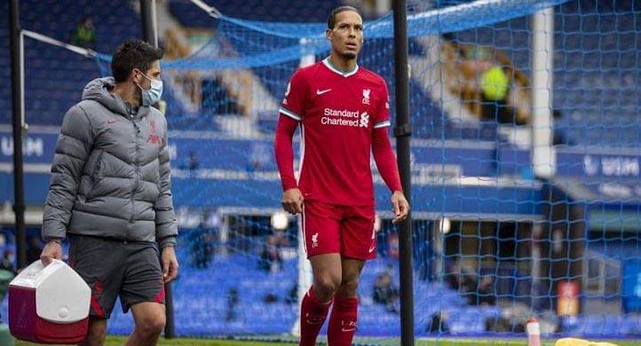 Букмекер принимает ставки на замену ван Дейка в «Ливерпуле»