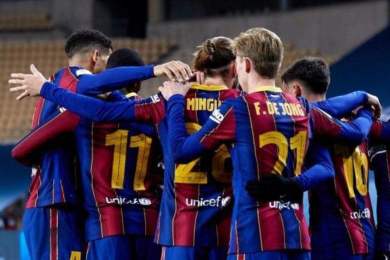 «Барселона» стала фаворитом Кубка Испании после вылета конкурентов