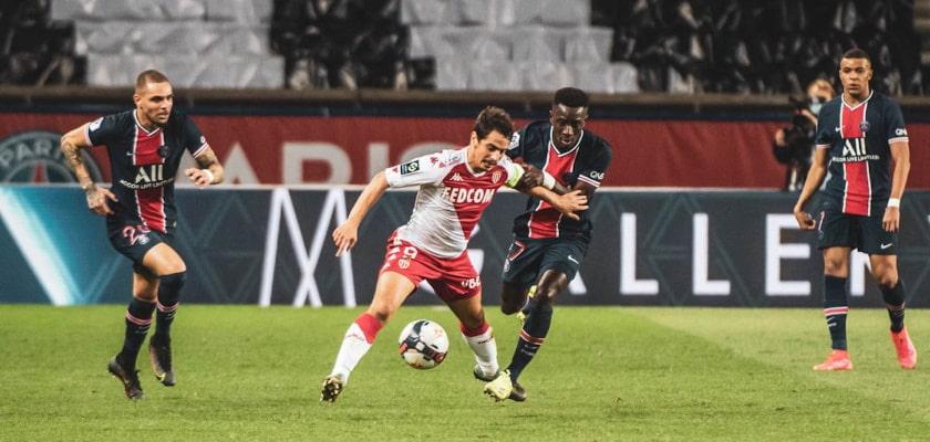 Букмекеры оценили шансы команд на выигрыш Лиги 1 из-за проблем «ПСЖ»